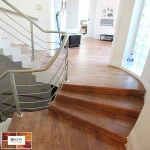 מדרגות מחופות בפרקט למינציה קוויק סטפ בחיפה