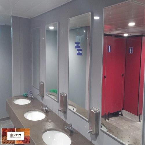 חיפוי קירות בלוחות היגיינים פלאופק בשירותי רכבת בחיפה
