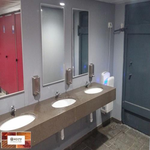 חיפוי קירות שירותים ציבוריים בקירות היגיינים